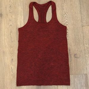 Lululemon Swiftly Tech Rackerback - size 6